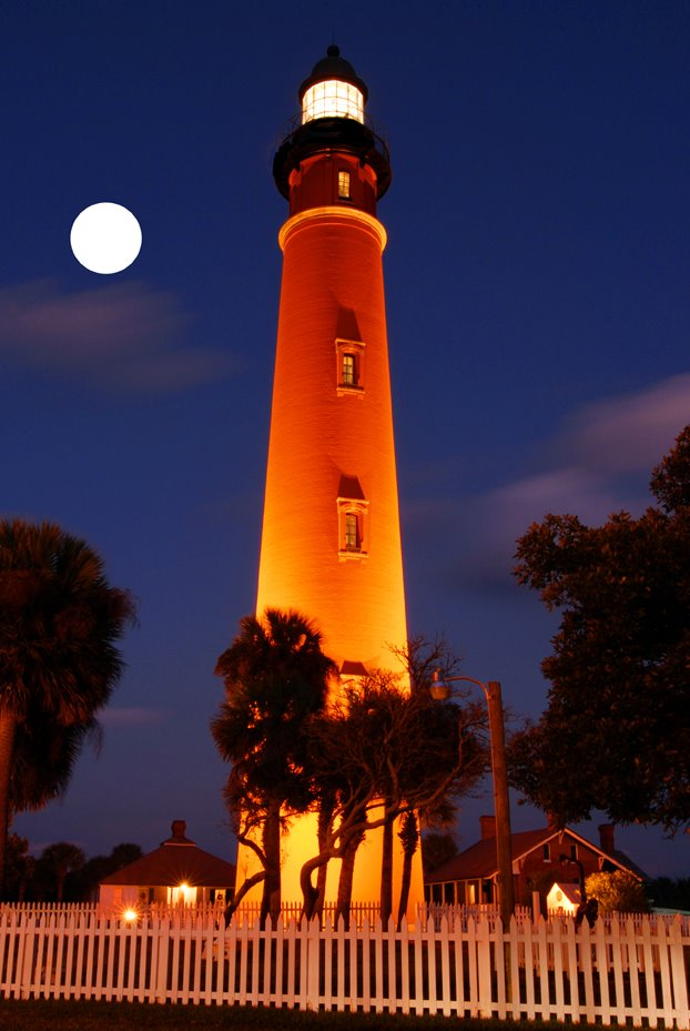 Ponce Inlet Lighthouse near New Smyrna Beach